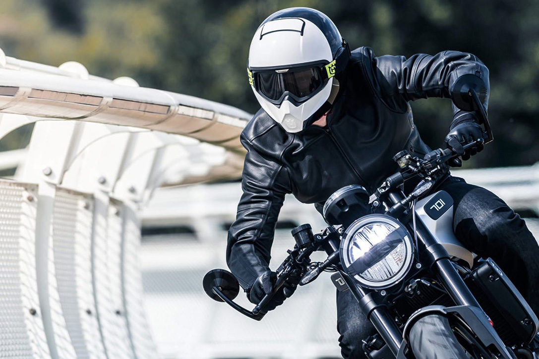 Best-Full-Face-Motorcycle-Helmets-0-Hero-1087x725