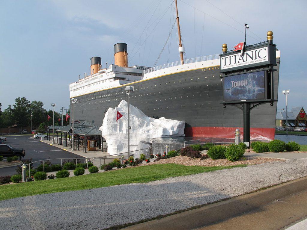 1200px-Titanic_Museum_Branson